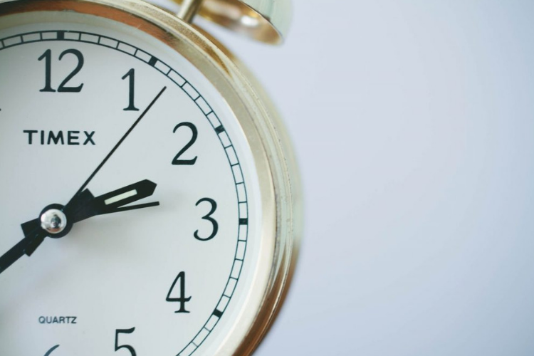 How to Deal With Late Payments - Foodica
